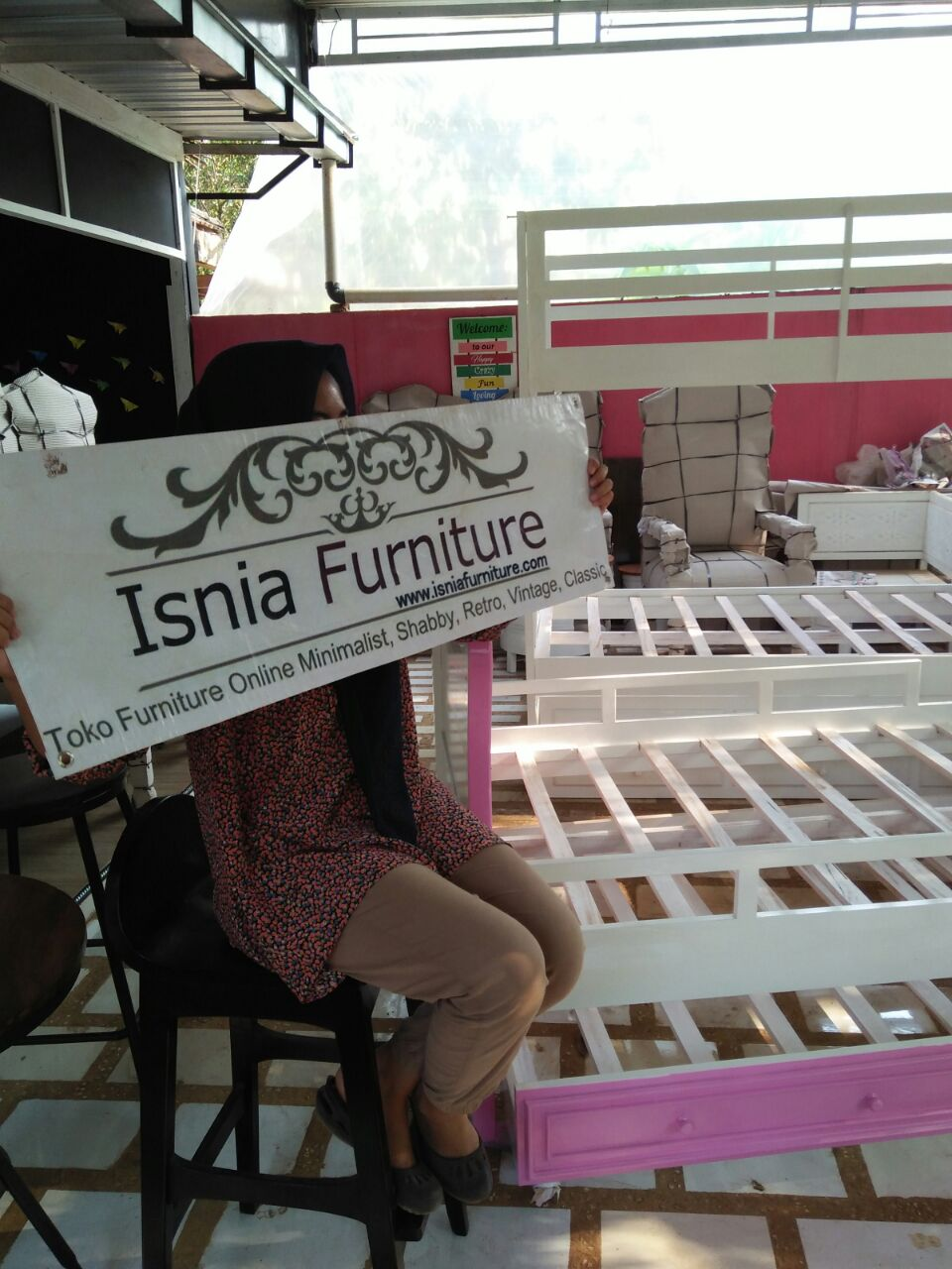 Showroom Isnia Furniture