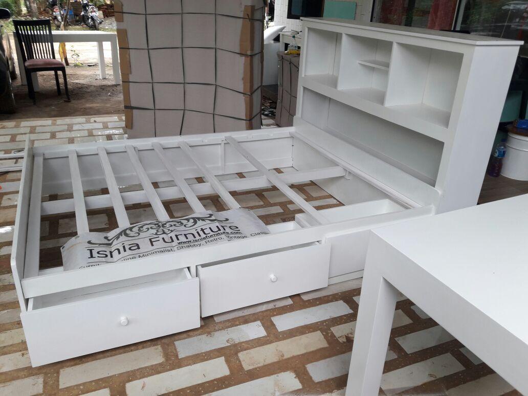 Tempat Tidur Laci Modern