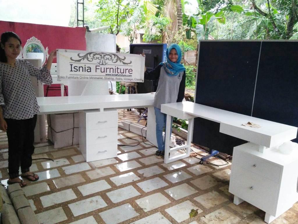 Meja Belajar Komputer Anak Model Sudut Jakarta Modern