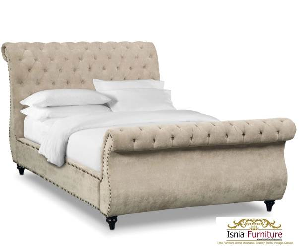 Tempat Tidur Mewah Ivory