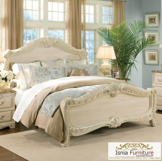 Tempat Tidur Ukiran Klasik Broken White