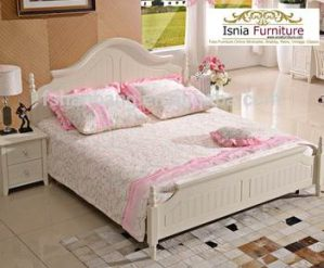 Tempat Tidur Minimalis Makassar Broken white