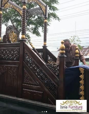 Mimbar Masjid Bekasi Ukiran Kayu Jati
