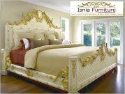 Tempat Tidur Ukiran Mewah Desain Klasik Set Kamar Utama