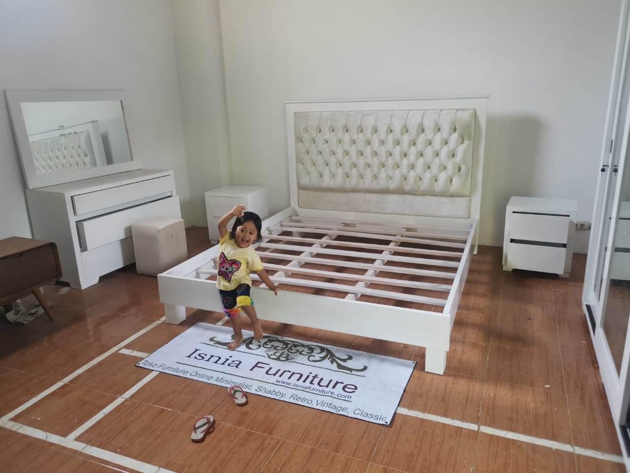 set kamar minimalis di Jakarta