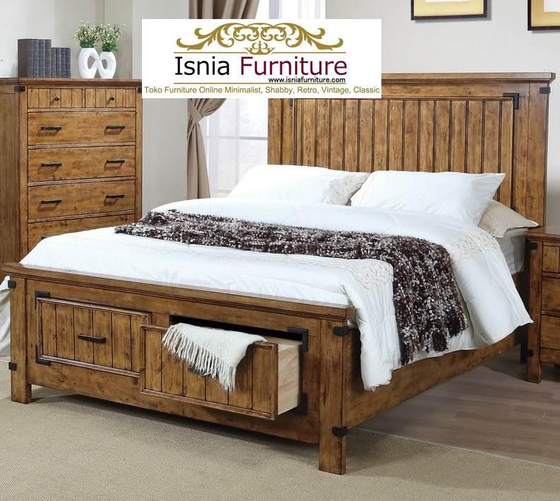 tempat tidur model rustik