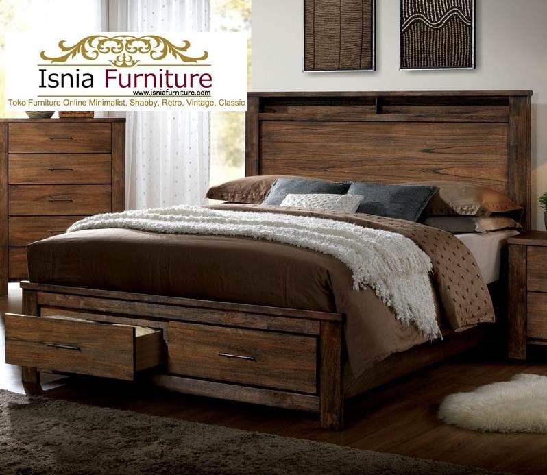 tempat tidur rustik